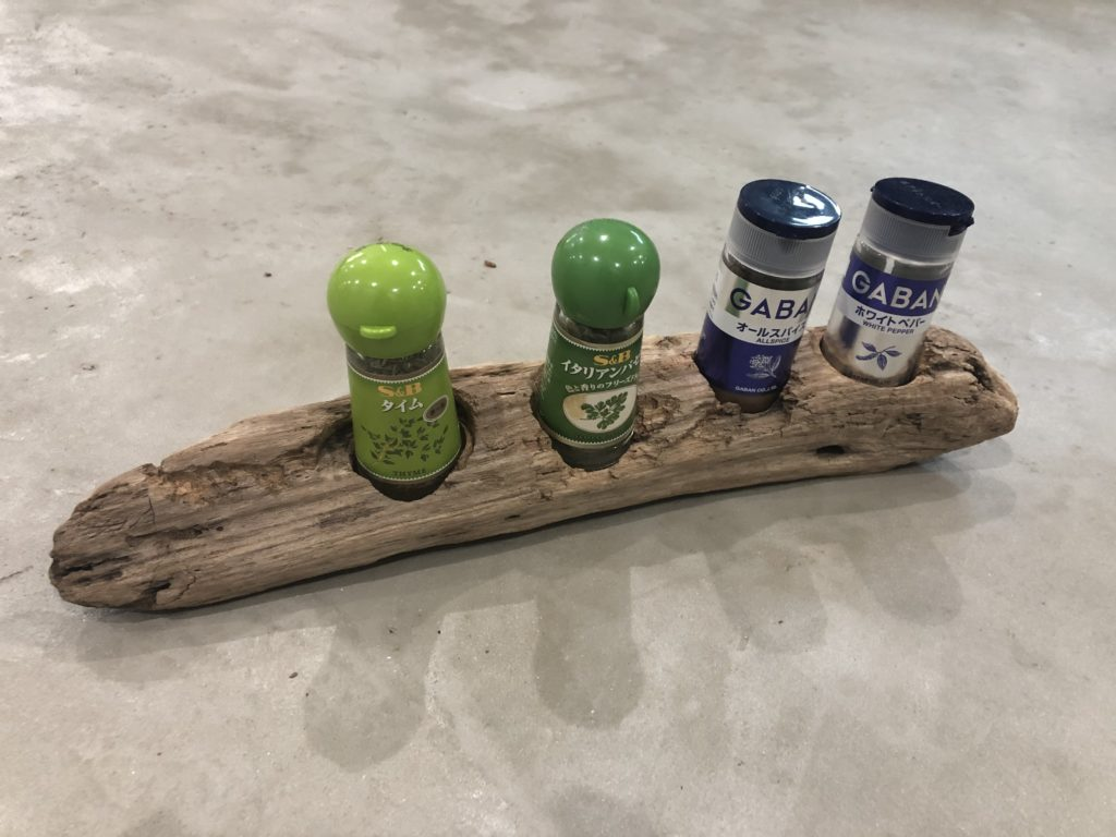 DIY 流木 スパイスラック